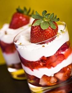 desert de mascarpone cu fructe