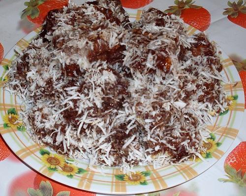 Prajitura glazurata cu cocos