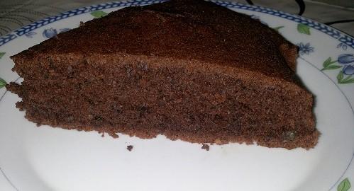 prajitura din albusuri de ou cu cacao si nuca