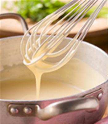 Reteta de sos Bechamel (sos alb, de faina)