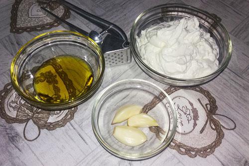 sos de usturoi ingrediente