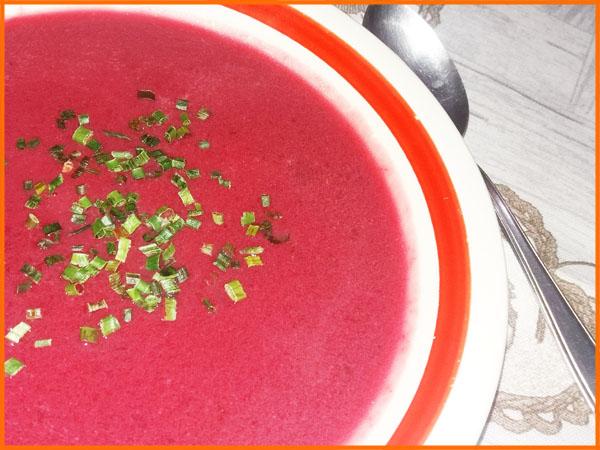 retete cu sfecla rosie: supa crema